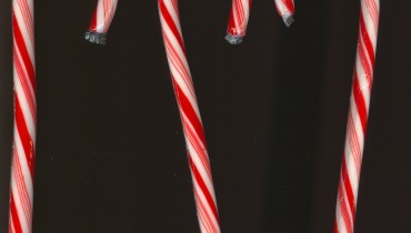 Peppermint_candy_cane_03